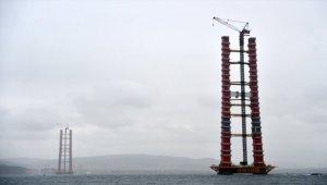 """""""Simgelerin köprüsü""""nde kule yüksekliği 230 metreye ulaştı"""