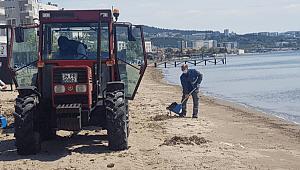 Sahil Temizlik Çalışmaları Rutin Olarak Sürdürülüyor