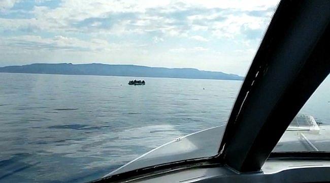 Çanakkale açıklarında Türk kara sularına itilen 145 sığınmacı kurtarıldı