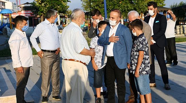 Bülent Turan, bayram namazını Lapseki Sahil camiinde kıldı.