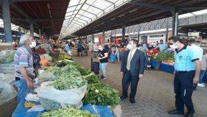 Çanakkale Valisi İlhami Aktaş halk pazarını ziyaret etti