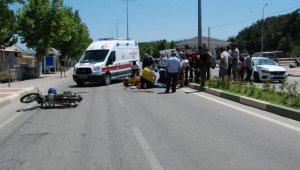 Çanakkale'de otomobille çarpışan motosikletin sürücüsü ağır yaralandı