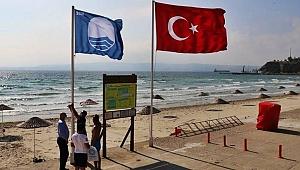 """Hamzakoy Plajına 4. kez """"Mavi Bayrak"""" verildi"""