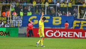 Emre Belözoğlu futbol kariyerini noktaladı