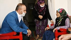 Turan, Kurban bayramı sonrasında ilçe ziyaretlerine başladı.