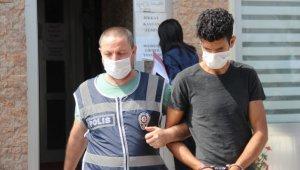 3 camiden hırsızlık yaptığı iddiasıyla gözaltına alınan zanlı tutuklandı