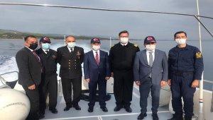 Vali Aktaş'tan, Çanakkale sahillerine denizden inceleme