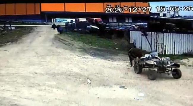 At arabasıyla 6 ton demir hırsızlığı kamerada