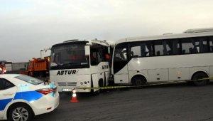 Tekirdağ'da işçi servisi midibüsler çarpıştı: 19 yaralı