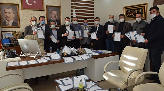 Başkan Yüksel sözünü tuttu: Tapular vatandaşlara teslim edildi