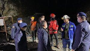 Çanakkale Valisi Aktaş, göçük altında kalan işçi hakkında bilgi aldı