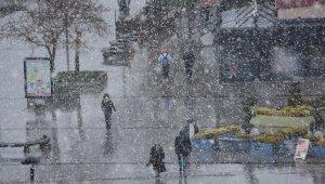 Çanakkale'de kar yağışı başladı