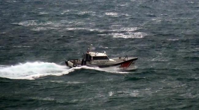 Gökçeada'da kalp krizi geçiren hasta, Sahil Güvenlik botuyla sevk edildi