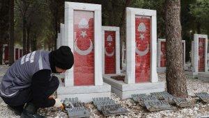Şehitliklerde Çanakkale Deniz Zaferi'nin 106'ncı yılı hazırlığı