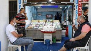 Çanakkale'de balık satışlarında müsilaj ile düşüş; balıkhane bomboş