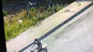 Kameradan belirlenip yakalanan motosiklet hırsızı tutuklandı