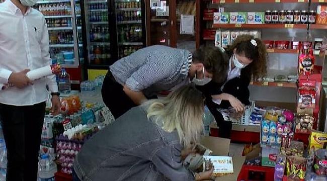 Sokak hayvanlarını besleme oranı yüzde 47 düştü; öğrenciler marketlere mama dağıttı
