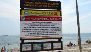 Tekirdağ'da mavi bayraklı plajlara 'müsilaj nedeniyle denize girmeyin' tabelaları koyuldu