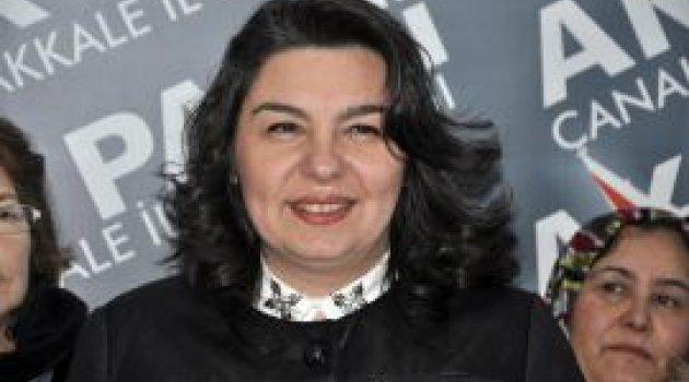 Jülide İskenderoğlu Ak Parti Genel Merkez Kadın Kolları MKYK üyeliğine seçildi.